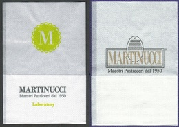 2 Differenti Serviette Papier Paper Napkin Tovagliolino Caffè Bar MARTINUCCI Maestri Pasticceri Dal 1950 Prov. Di Lecce - Servilletas Publicitarias