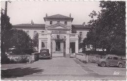 84. Pf. ISLE-SUR-SORGUE. Entrée Du Collège Technique (Ecole Benoit). 4 - L'Isle Sur Sorgue