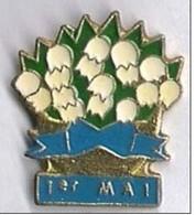 M114 Pin's Fleur Muguet 1 Mai Lily Of The Valley Achat Immédiat - Pins