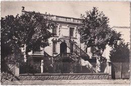 42. Pf. ST-GERMAIN-LAVAL. La Maternité. 10 - Saint Germain Laval
