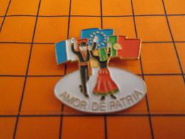1518 Pin's Pins / Belle Qualité & Rare / THEME AUTRES : AMOR DE PATRIA DRAPEAUX FARNCE EUROPE PORTUGAL - Pins