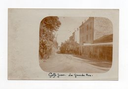 !!! CARTE PHOTO DE GOLFE JUAN, LA GRANDE RUE NEUVE - Autres Communes