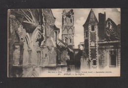 CPA . 62 . ARRAS . Bombardé . Le Beffroi . (visé Paris N° 2434) - Arras