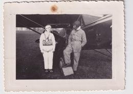 Femme Pilote D'avion Woman Airplane Pilot - Aviation