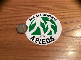 AUTOCOLLANT, Sticker «PAR LES SENTIERS AVEC APIEDS» (Marche, Promenade) - Pegatinas
