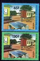 Centrafricaine  N° 688 / 89 XX  Utilisation De L' énergie Solaire  Les 2 Valeurs Sans Charnière TB - Centrafricaine (République)