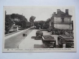 CPA 37 INDRE ET LOIRE - LANGEAIS : Route De La Gare Et Place Du 14 Juillet - Langeais