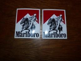 Lot De 2 Autocollants Marlboro  Cigarettes Cow Boy - Autres Collections