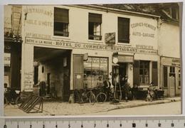 CARTE-PHOTO 9x14cm Hôtel Du Commerce, Restaurant, Auto-Garage, Mon. MERCIER. Pompe à Essence, Bicyclettes. A Localiser - Hotels & Restaurants