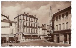 BOURGOIN-JALLIEU Place St-Michel - Bourgoin