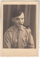 Militaire Avec Calot Fumant La Pipe  à VILLINGEN   ( Allemagne ) En 1944- Carte Photo - Guerra 1939-45