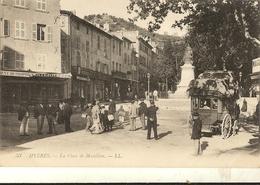 83 -  HYERES  -    La Place De Massillon - Diligence    173 - Hyeres