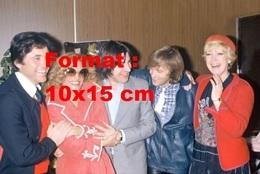 Reproduction D'une Photographie De Dalida, Sacha Distel, Serge Lama, Dave Et Alice Dona - Reproductions