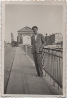 Fotografia Cm. 6,1 X ,8,9. Retro: Chioggia (Venezia) Agosto 1936 - Lieux