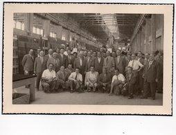 """CT-00277- FOTO ORIGINALE - GRUPPO VISITA IN AZIENDA """"SAINT GOBAIN """" DI PISA GIUGNO 1951 - Persone Anonimi"""