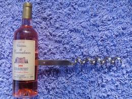 Ancien Tire Bouchons Poignee En Forme De Bouteille De Vin, Cotes De Provence, Chateau De Vaucouleurs 2000 (20-381) - Tire-Bouchons/Décapsuleurs