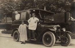 RPCP : Ambulances Municipales , Ziekenwagen,,  Photo Of Old Postcard, 2 Scans - Auto's