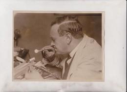 EYE MAKING LONDON PEOPLE'S EYES IN GLASS   22*16CM Fonds Victor FORBIN 1864-1947 - Profesiones