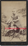 CDV Petit Garçon Sur Son Tricycle Cheval-jouet-photo Collard à Paris - Old (before 1900)