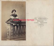CDV CORSE- Petite Fille à L'air Renfrogné! Photo Viallet- Cours Napoléon à Ajaccio-E Second Empire - Old (before 1900)