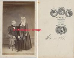 CDV En 1866- Couple De La Bourgeoisie -photo V. Petit à Langres - Old (before 1900)