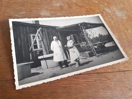 IN DEUTSCHLAND DAZUMAL - AELTERES PAAR IN WEISSER ARBEITSKLEIDUNG - 1933 Von DRESDEN Nach NIEDERLAUSITZ - Berufe