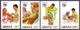 GHANA - UNICEF - DOCTOR  SCHOOL   IMMUNIZATION - 1988- **MNH - UNICEF