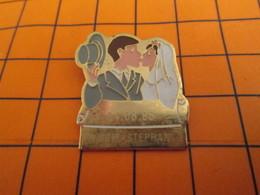 320 Pin's Pins / Belle Qualité & Rare / THEME AUTRES : 24 08 1996 MARIAGE LUCIE STEPHANE Pôv' Stéphane ! Piégé ! - Pins