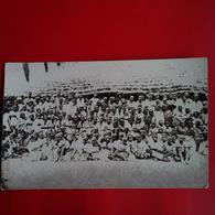 CARTE PHOTO MALI ? GROUPE DE PERSONNES VILLAGE - Cartes Postales
