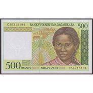 TWN - MADAGASCAR 75b - 500 Francs 1994 Prefix C UNC - Madagascar