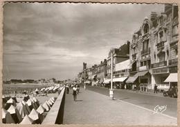85 / LES SABLES-D'OLONNE - Remblai, Front De Mer Et Commerces (années Fin 40-50) - Sables D'Olonne