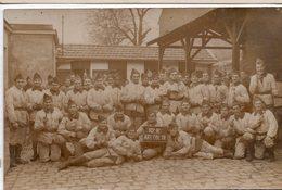 92  RUEIL  GROUPE DE MILITAIRES  10° RI ART COL TR   TRES BEAU PLAN   CARTE PHOTO  1934  PAS DE LEGENDE AU DOS - Personaggi