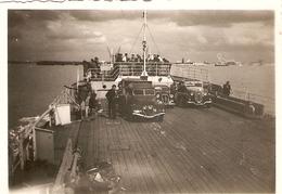 Photographie Ancienne, Traversée De L'île De Ré à La Rochelle, Photo Vers 1948, Ferry / Bac Avec Voitures - Lieux