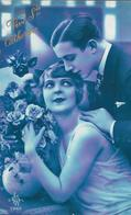 Carte Photo Fantaisie ,sainte Catherine, Couple D'amoureux , Bouquet De Fleurs, Roses - Sainte-Catherine
