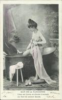 BAIN DE LA PARISIENNE , L'eau Est Bonne Et Chaude à Souhait . Au Fond Du Cabinet Discret - Vintage Women < 1920
