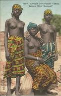 """Afrique Occidentale , SENEGAL , Jeunes Filles """" Saussai """" - Afrique Du Sud, Est, Ouest"""