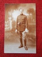 MILITARIA - UNIFORMES  -   Soldat Belge   En Uniforme - Uniformen
