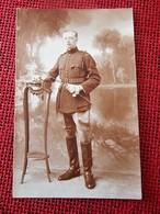 MILITARIA - UNIFORMES  -   Soldat Belge   En Uniforme - Uniformes