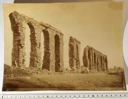 GRANDE PHOTO 20x26 Cm: TUNIS, Tunisie, Aqueduc Romain Route De Zaghouan; Photo J. GARRIGUES, 1860-90. 19e Siècle - Afrique