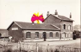 FRETIN (Nord) - La Gare - Photo Carte Circulée En 1955 - Fourmies