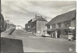 OIGNIES-en-THIERACHE - Le Centre Du Village (Viroinval) - Viroinval