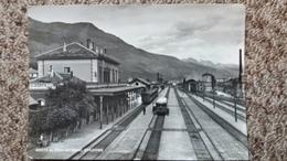 CPSM GARE AVEC TRAIN AOSTA INTERNO STAZIONE SACAT 1955 TIMBRE ARRACHE AU DOS - Stazioni Con Treni
