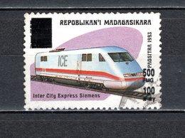 MADAGASCAR N° 1681AA  SURCHARGE LOCALE OBLITERE   COTE  ? €   TRAIN   VOIR DESCRIPTION - Madagascar (1960-...)