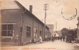 INCHEVILLE - Usines Maillard - Sortie Des Ateliers - Francia