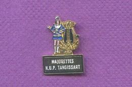 Rare Pins Majorettes Pin Up Hup Tangissart K641 - Villes