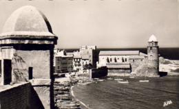 D66  COLLIOURE  La Plage Et L'Eglise ..... ( Ref CC1029 ) - Collioure