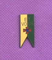 Rare Pins Et Vous Egf Demons Et Merveilles L113 - Otros