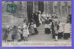 Carte Postale 60. Beauvais Les Fêtes De Jeanne Hachette  Sortie De La Cathédrale  Monseigneur Douais   Très Beau Plan - Beauvais
