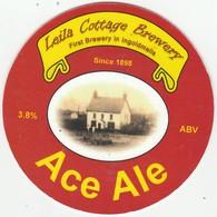 LAILA COTTAGE BREWERY  (INGOLDMELLS, ENGLAND) - ACE ALE - PUMP CLIP FRONT - Letreros