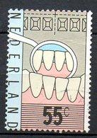 PAYS-BAS. N°1079 De 1977 Oblitéré. Enseignement Dentaire. - Medicine